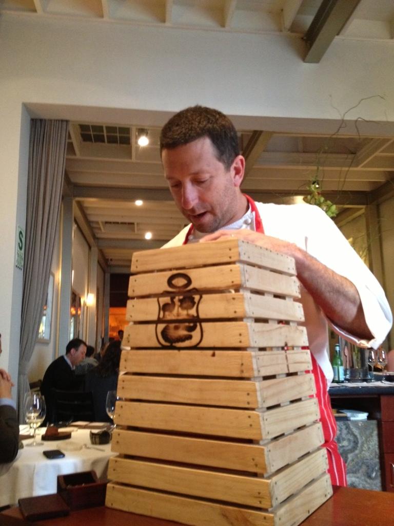 Picture 3 - Diego serving the el Retorno part of the El Viaje menu