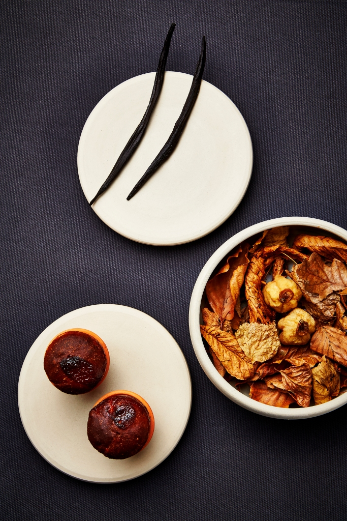 Nordic vanilla, dried apples with walnut marzipan and potted bread
