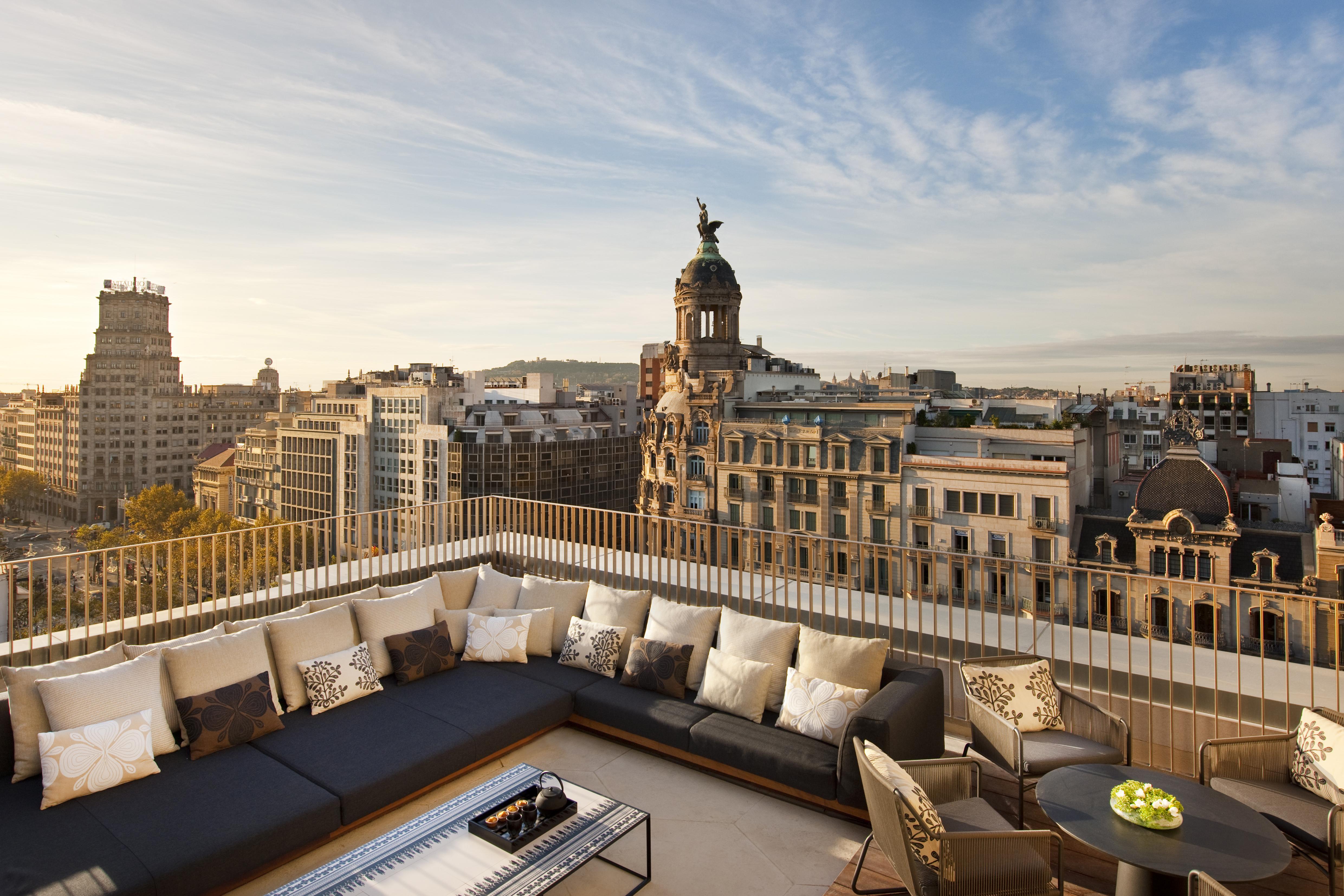 Panoramic Views, Lush Gardens and Michelin Stars at the Mandarin ...